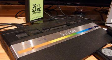 ATARI 2600 mit 32in1 Spiele Cartridge. Gehegt und gepflegt.
