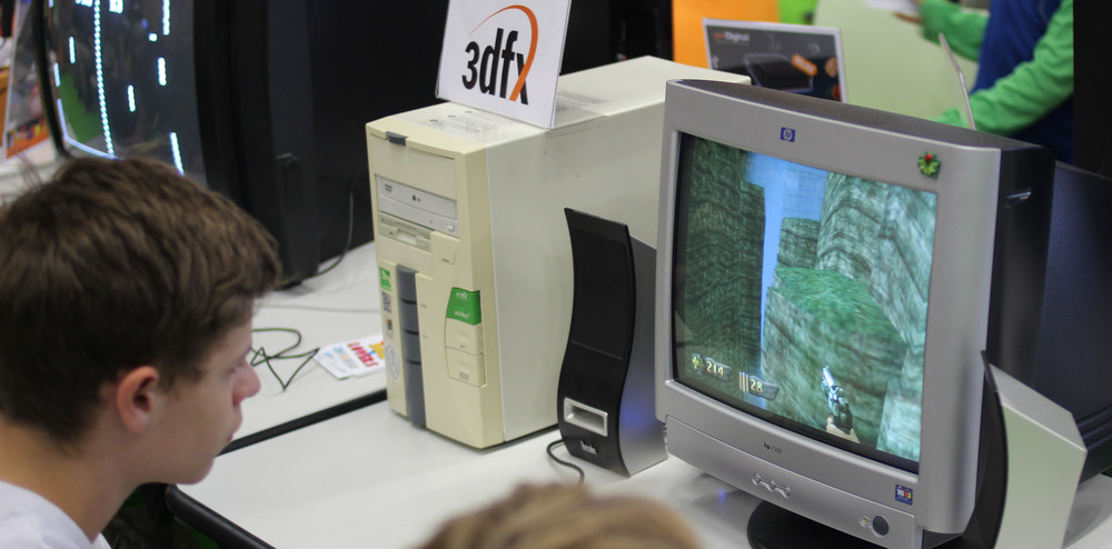 4-Retro-and-Indie-Lovers-gamescom-2015-07