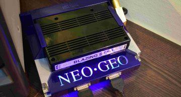 Ein Neo Geo mit Blazing Star