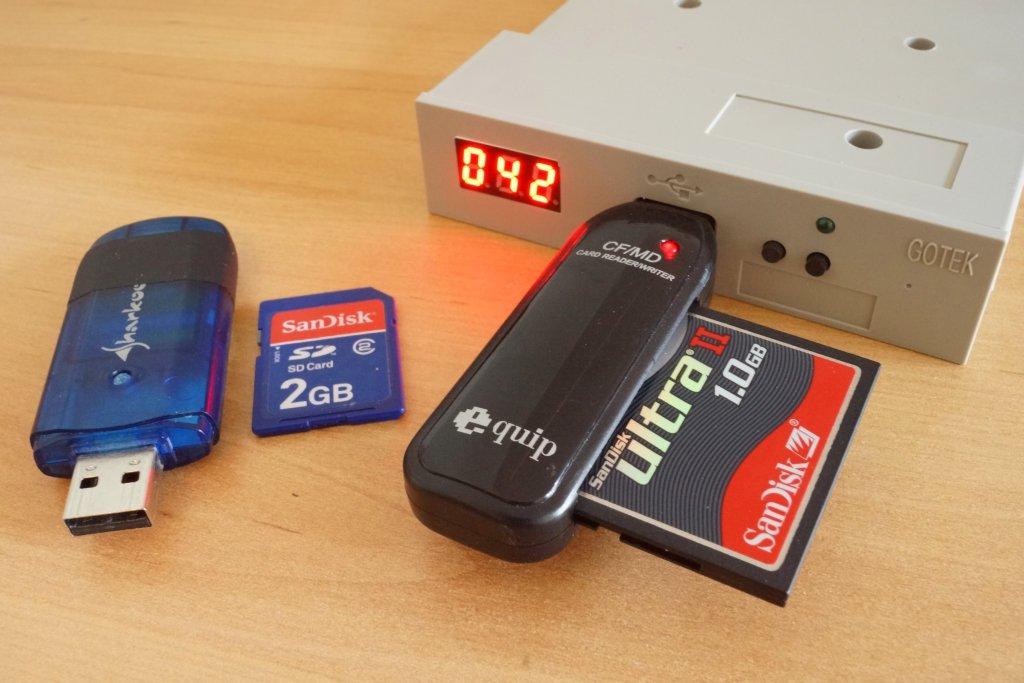 GOTEK SFR1M44U100 mit CF & SD Kartenleser im USB Stick