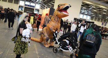 T-Rex mit Baby unterwegs!