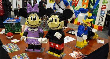 Berliner Steinkultur mit Lego Disney Figuren