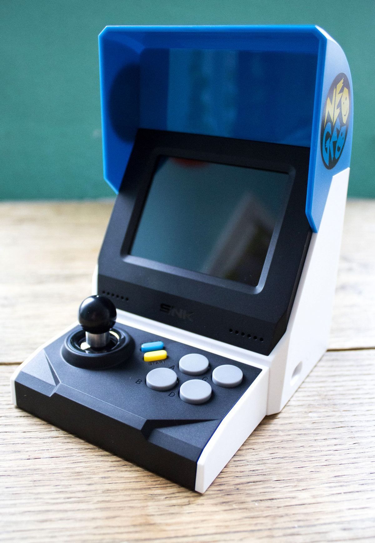 Neo Geo Mini International Komplettansicht
